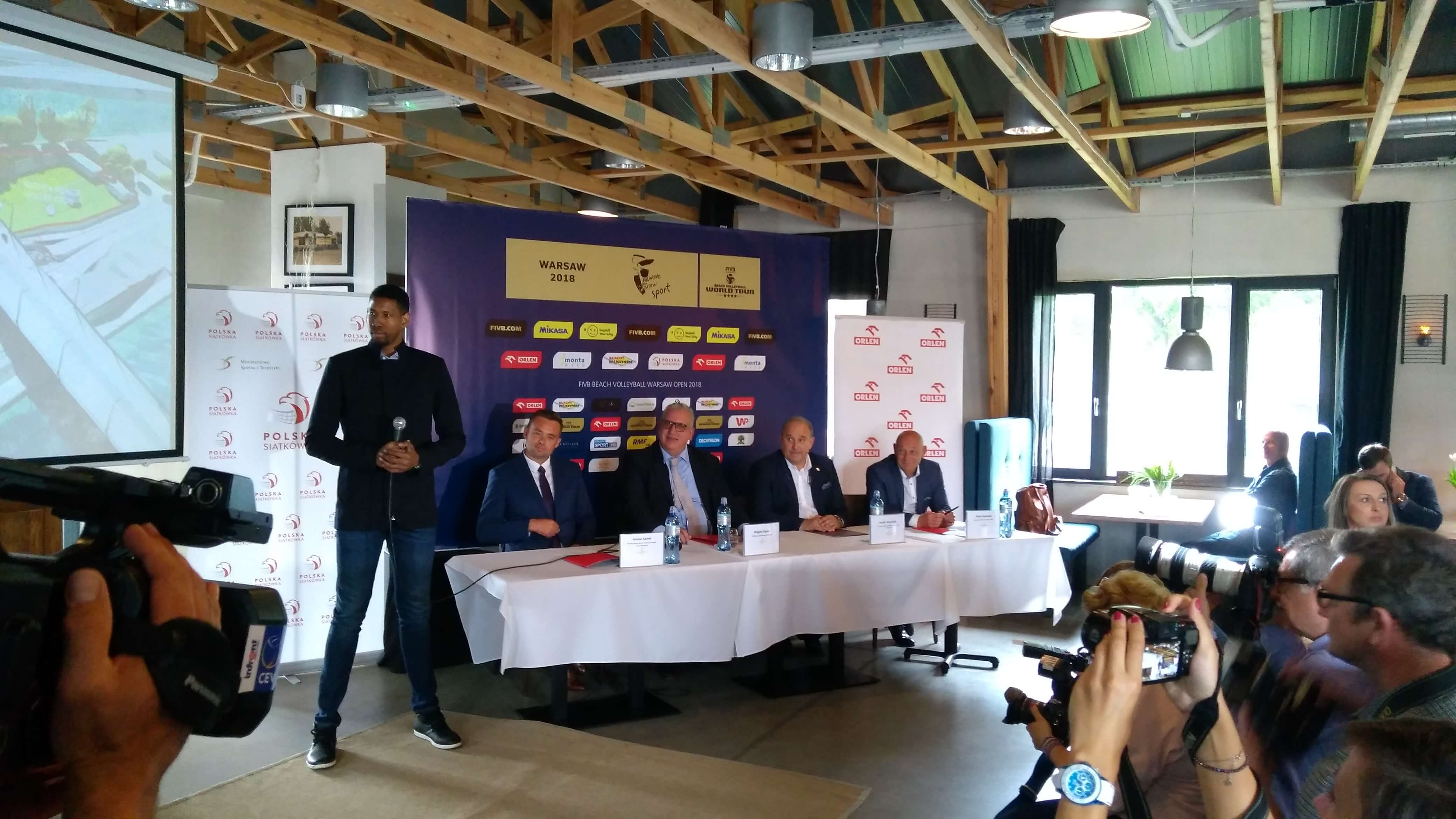 World Tour Warsaw 2018 - press conference and special guest